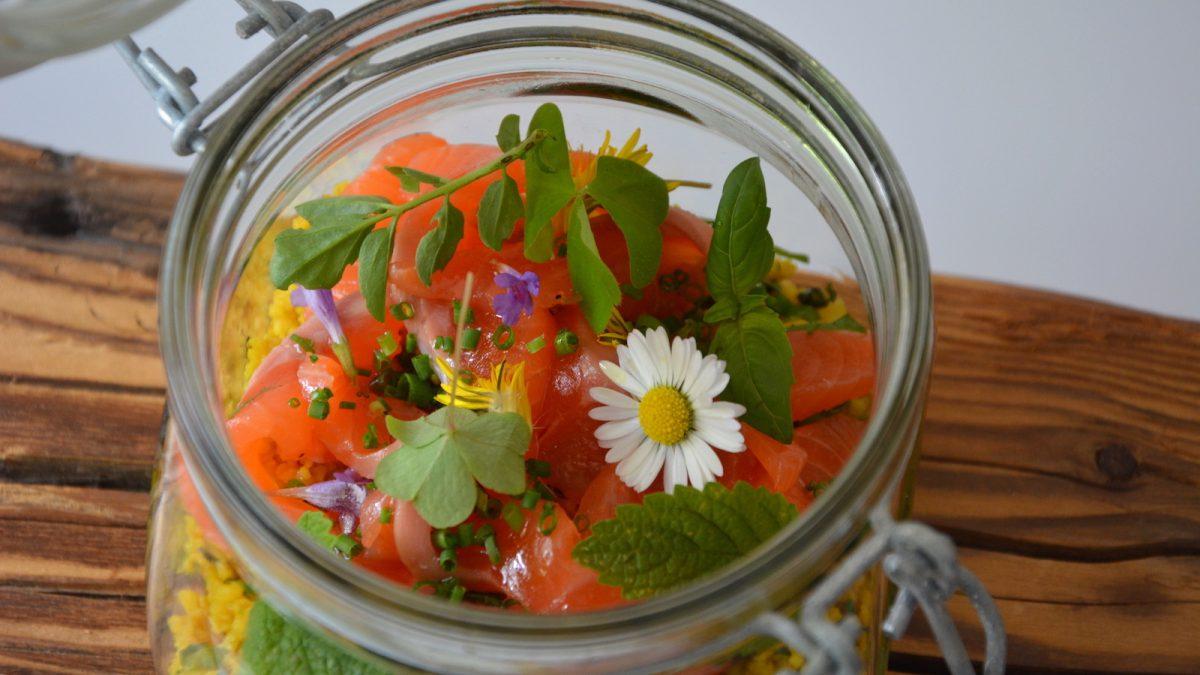 Couscous Salat Pfeffer Lachsforelle Gartenkräuter Liebstöckelextrakt 14